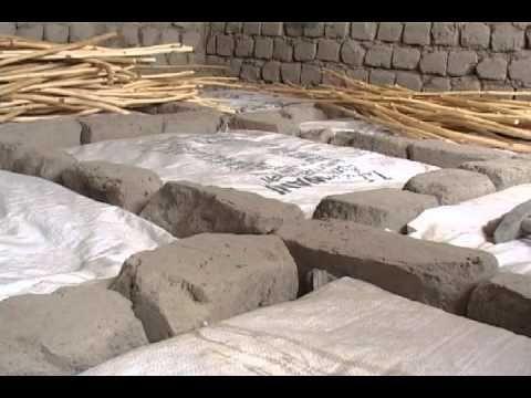 Floor insulation technique in India (GERES) - YouTube
