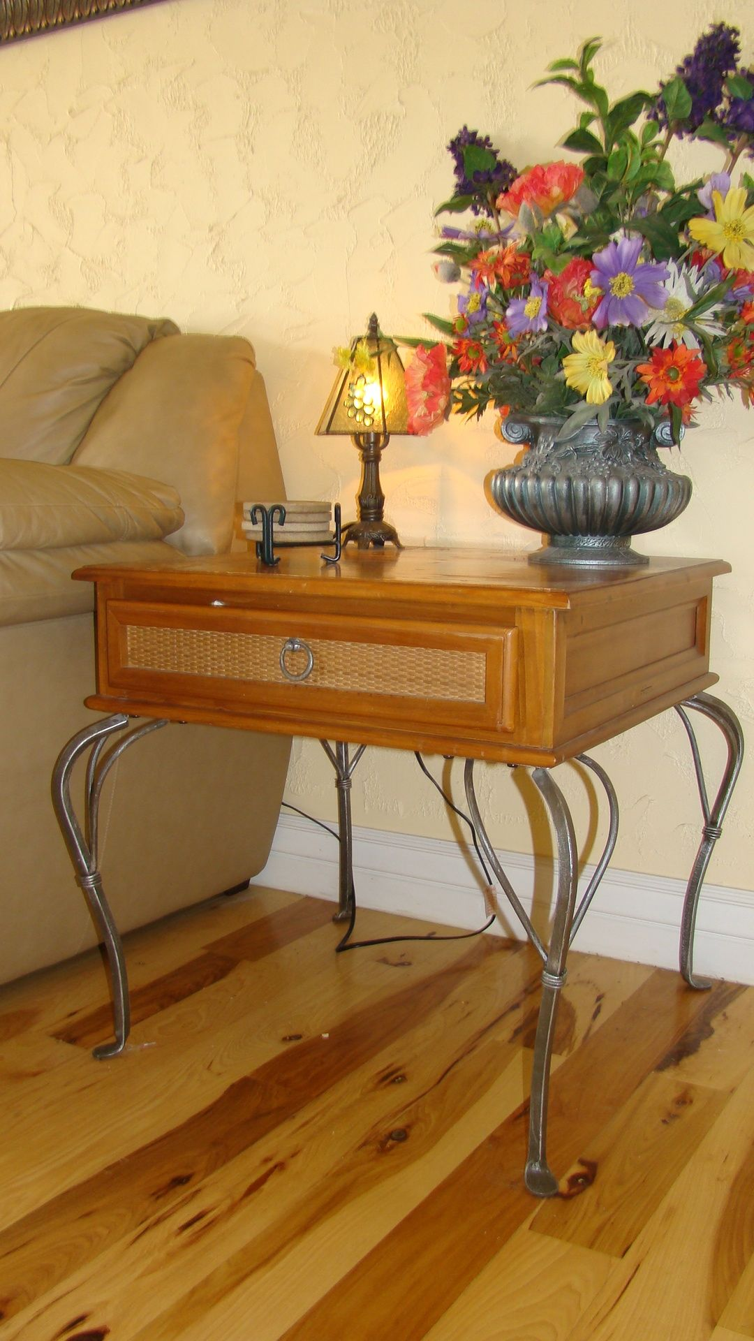 Pier 1 End Table With Wrought Iron Legs Entryway Tables