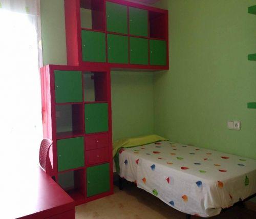 http://es.1000apartamentos.com/Islas-Baleares/-Sant-Josep-de-sa-Talaia/Apartamentos/Casa-Ibiza-Village-junto-S--Antonio-/102626