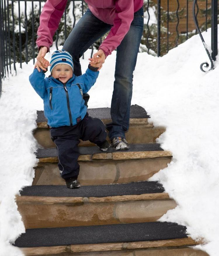 Best Snow Melting Stair Mat Heated Stair Mats In 2019 Stair 400 x 300