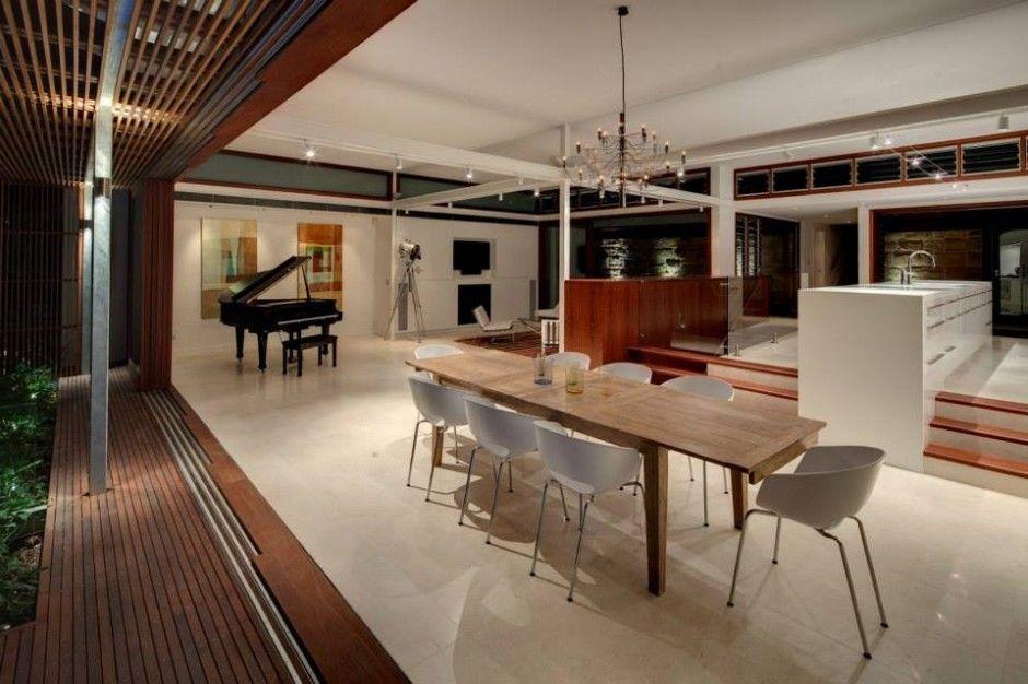 Multi Level Home Revealing Amazing Views of Sydneys