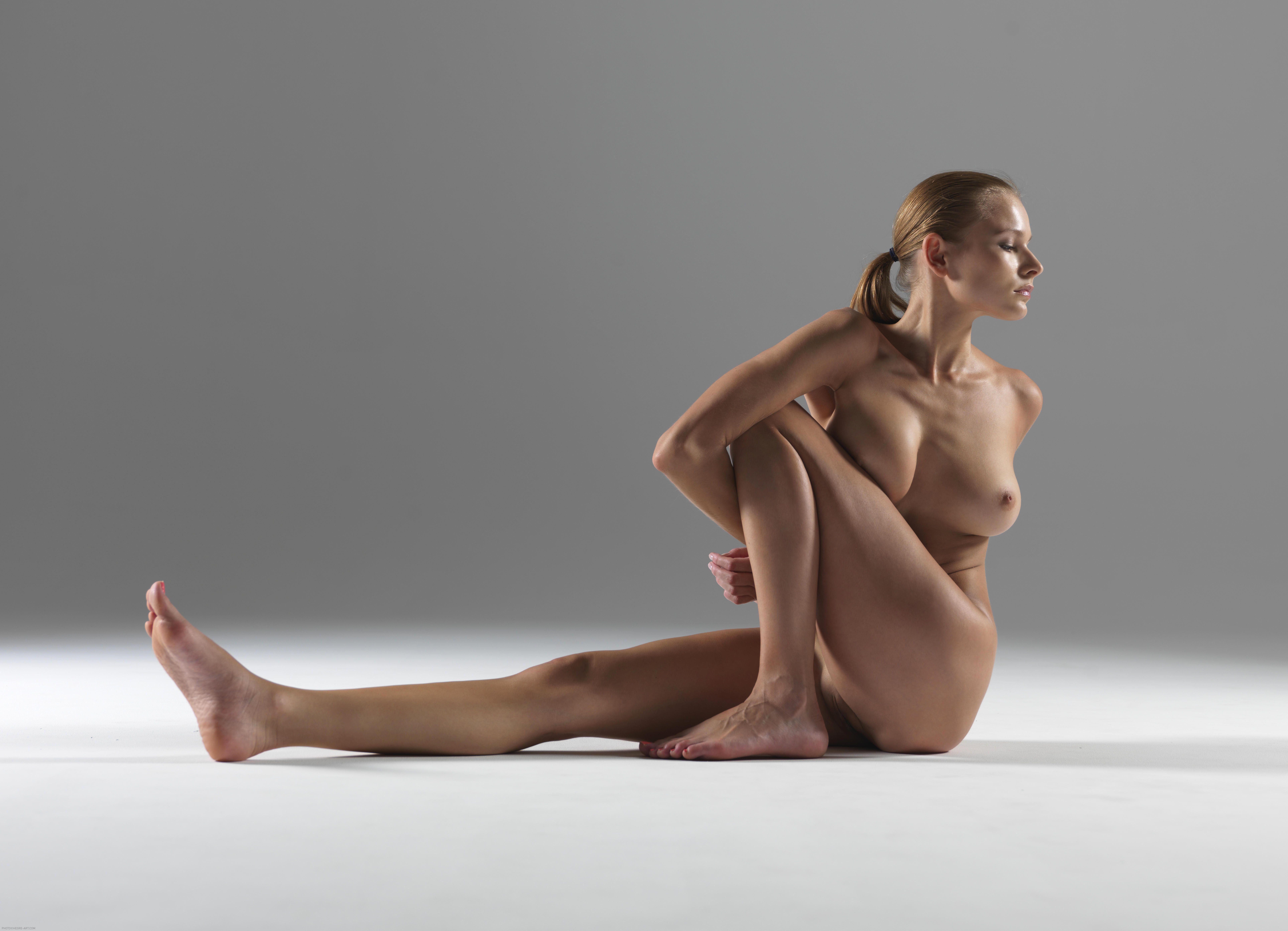 специфический йога голая онлайн члена