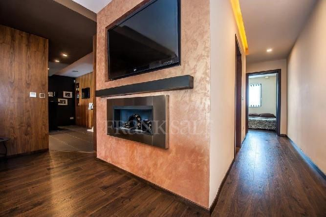 Fireplace and Wall Treatment