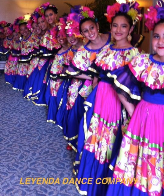 We Teach A Very Serious Children Ballet Folklorico Class Ballet Folklorico Riverside California Http Www Ballet Folklorico Dancer Costume Mexican Style