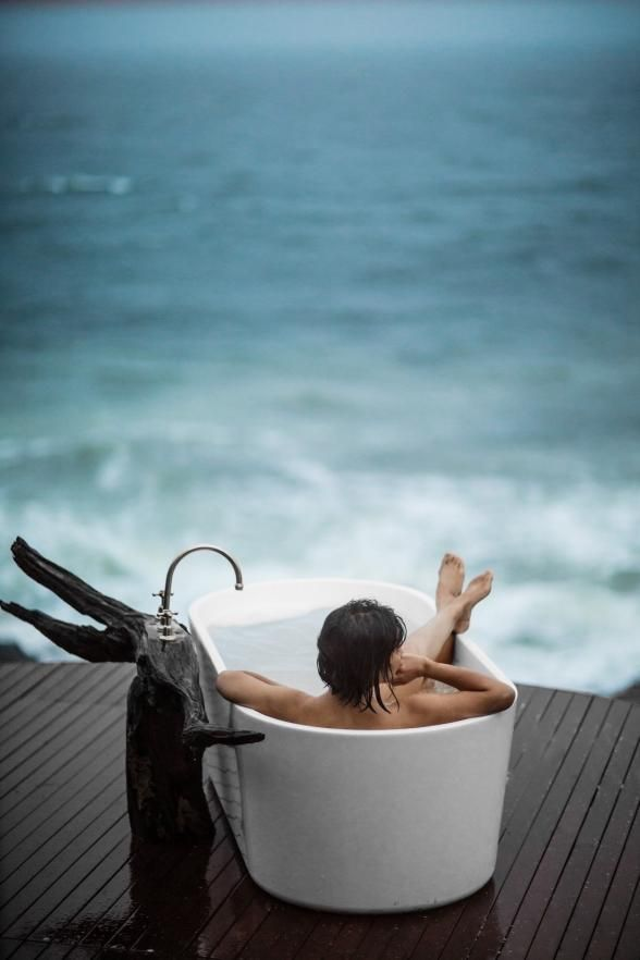 around the world in 33 perfectly perched bathtubs | waterfront