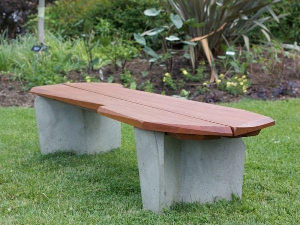 Holzbank selber bauen - gemütliche Sitzecke für Ihren Garten ...