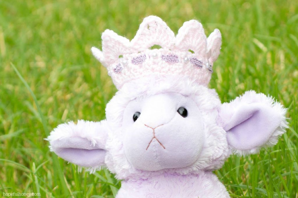 Pretty Princess Crown Crochet Pattern - Hopeful Honey #crownscrocheted
