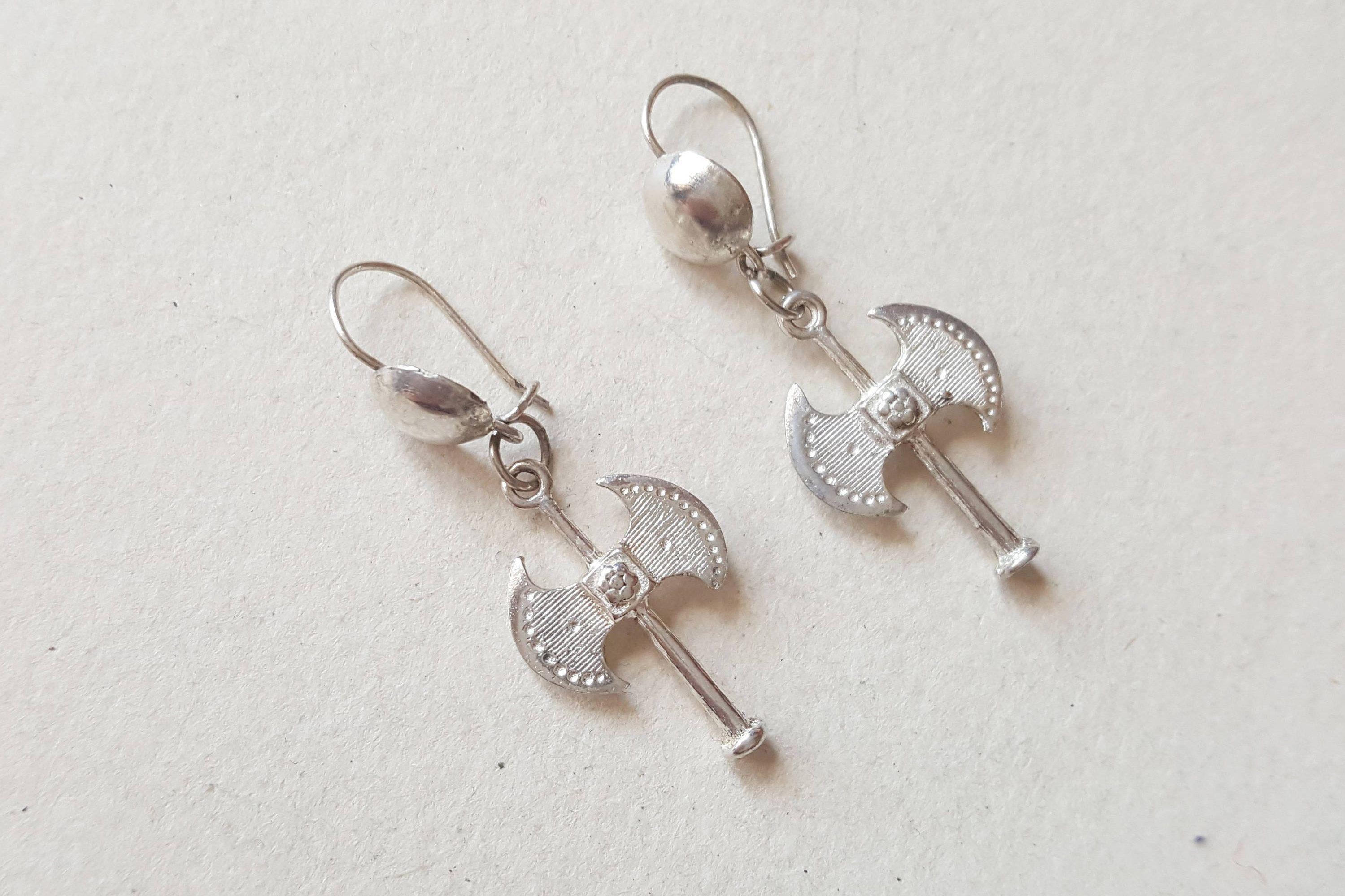 Vintage viking style sterling silver earrings f916