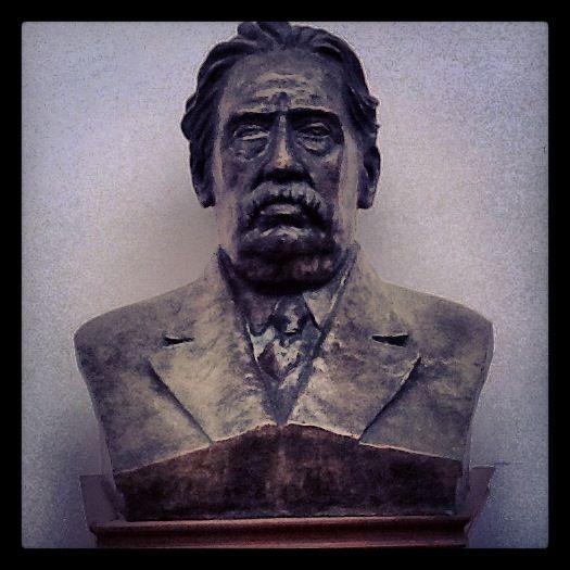 Don Pepe en la Casa del Partido Colorado