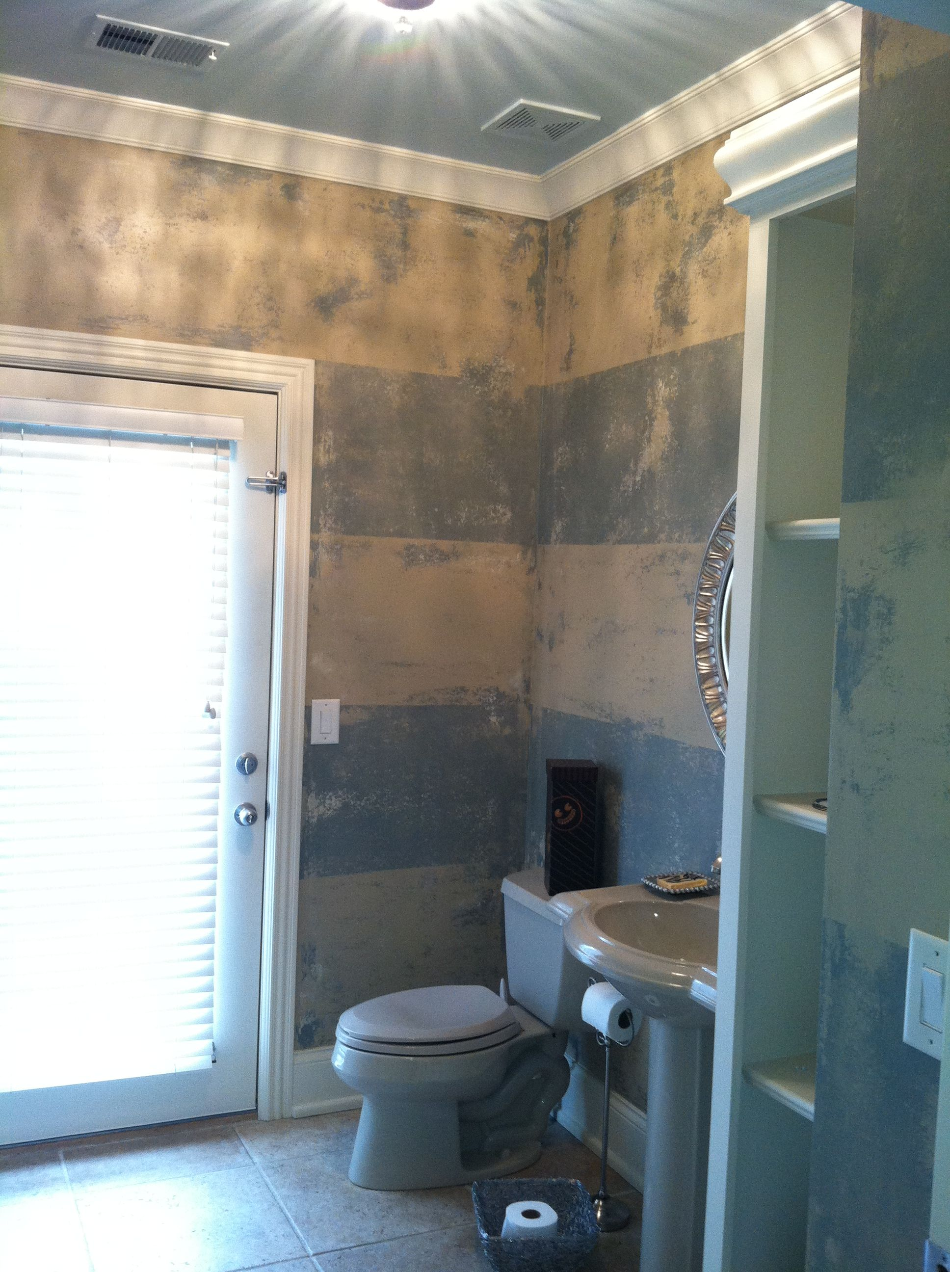 Give your furniture an antiqued or distressed look ladulcelavie - 1000 Images About Painting On Pinterest Diy Headboards How To Paint And Colors