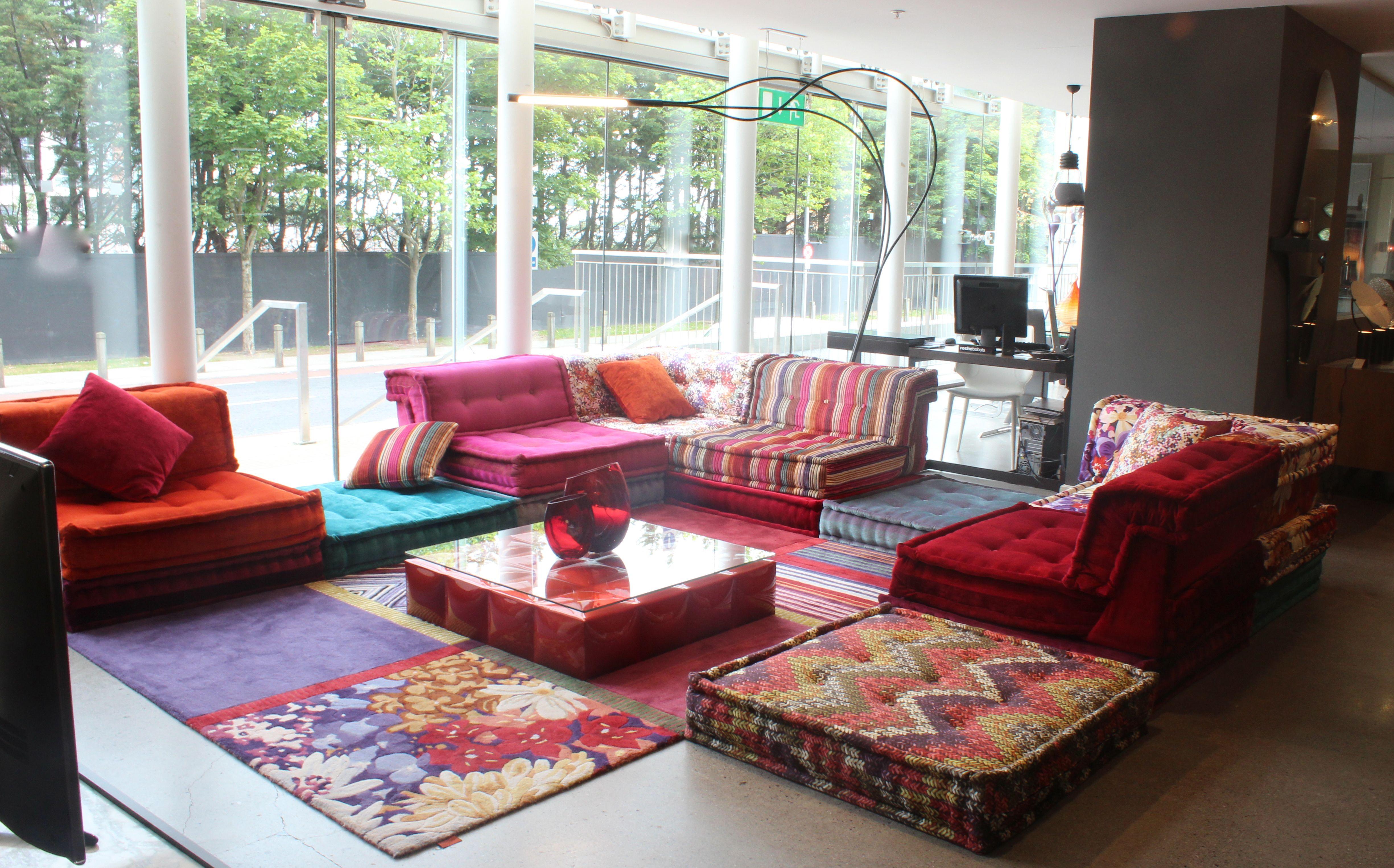 Roche Bobois Showroom In Dublin Rbaroundtheworld Rochebobois Colourful Living Room Apartment Style Living Pink Living Room