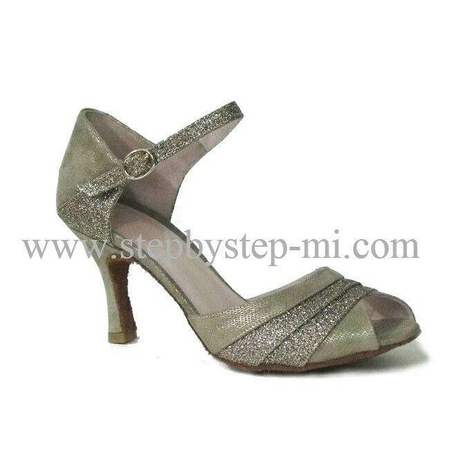 Sandalo semiaperto in camoscio Tetris e glitter multicolore  suola in bufalo, tacco 80 #stepbystep  #ballo #salsa #tango #kizomba #bachata #scarpedaballo #danceshoes  #cute #design #fashion #shopping #shoppingonline #glamour #glam #picoftheday #shoe  #style  #instagood #instashoes  #sandals #sandali  #strass  #rhinestone #instaheels #stepbystepshoes #cute  #salsaon2