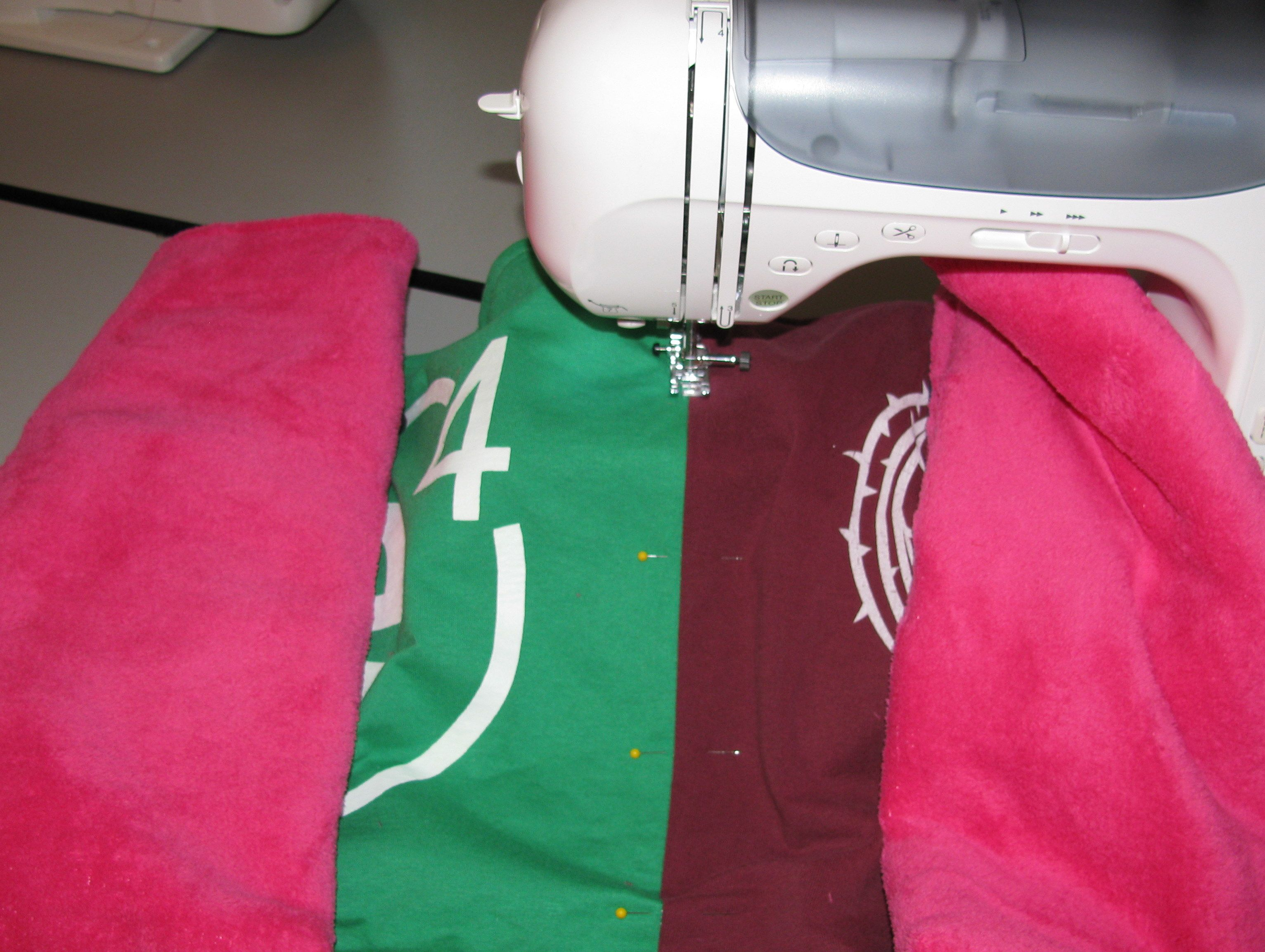 DIY Basic T-SHIRT QUILT Tutorial- Part 1 - Totally Stitchin | T ... : interfacing for t shirt quilts - Adamdwight.com