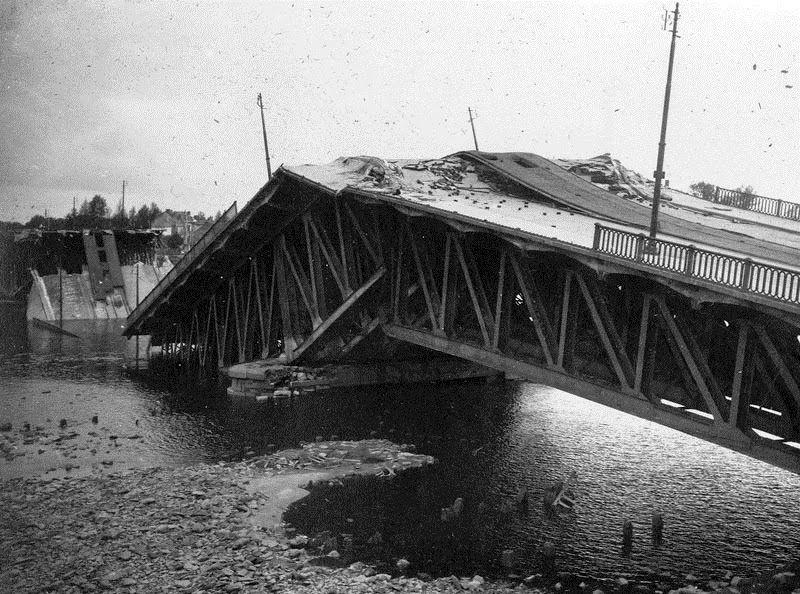 Dynamitage du pont de Pirmil le 16 août 1944 | Nantes, Nantes ...