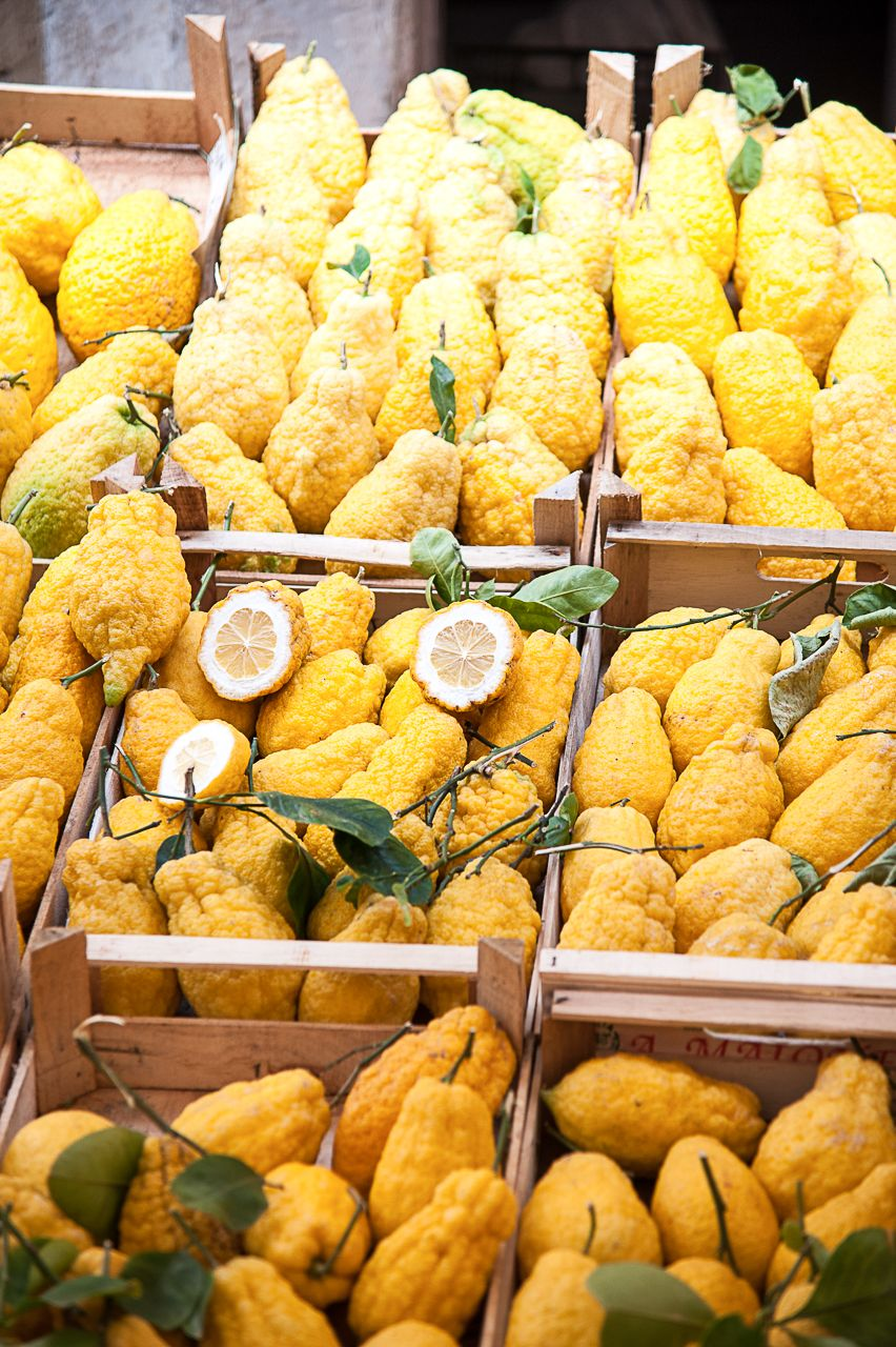 Sicilian lemons for sale in Catania.  By Mary Mackie