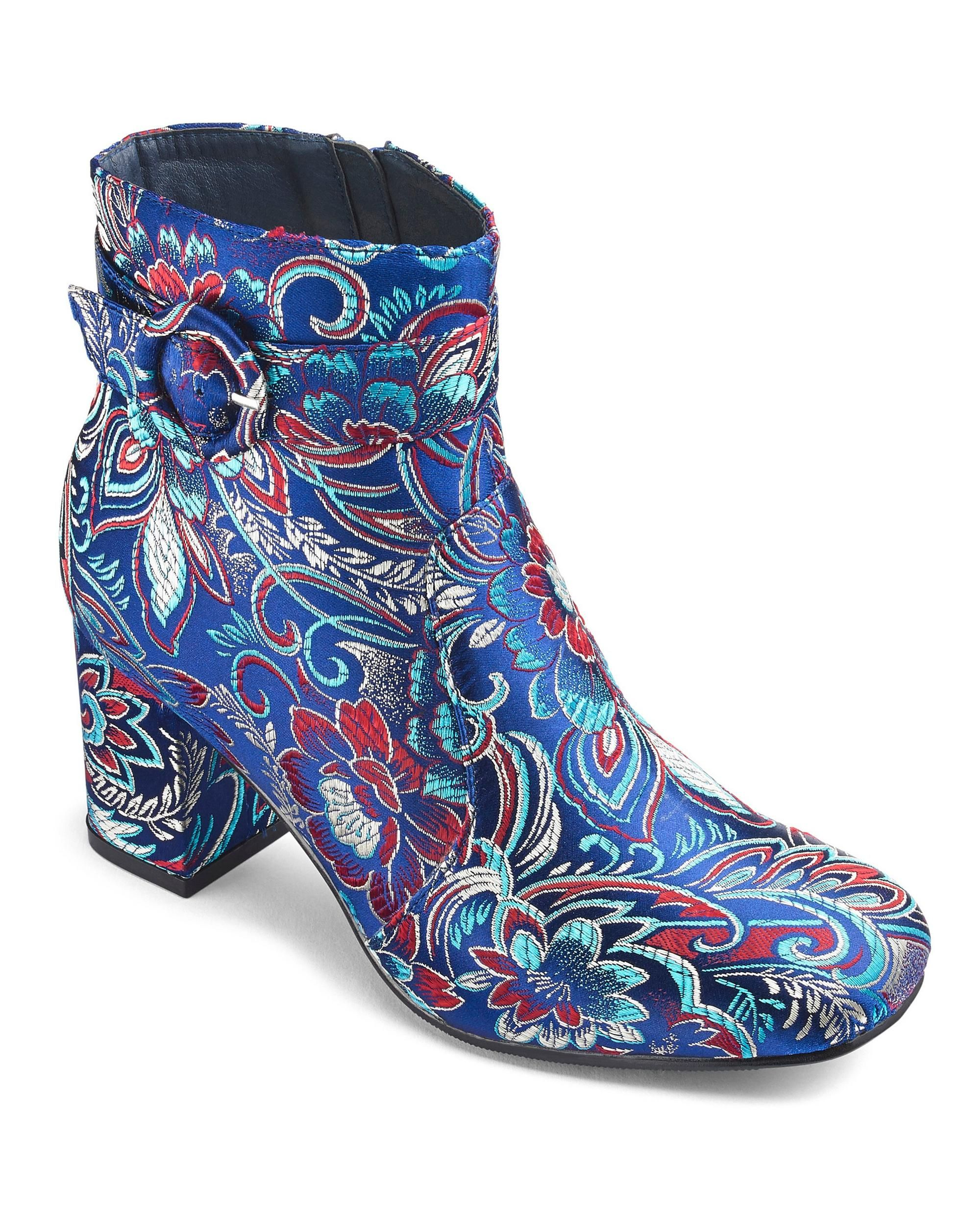60s 70s Vintage Style Shoes Ankle Boots Vintage Style Shoes Vintage Inspired Shoes Boots