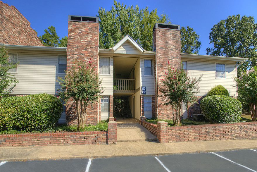 See All Available Apartments For Rent At Chenal Place In