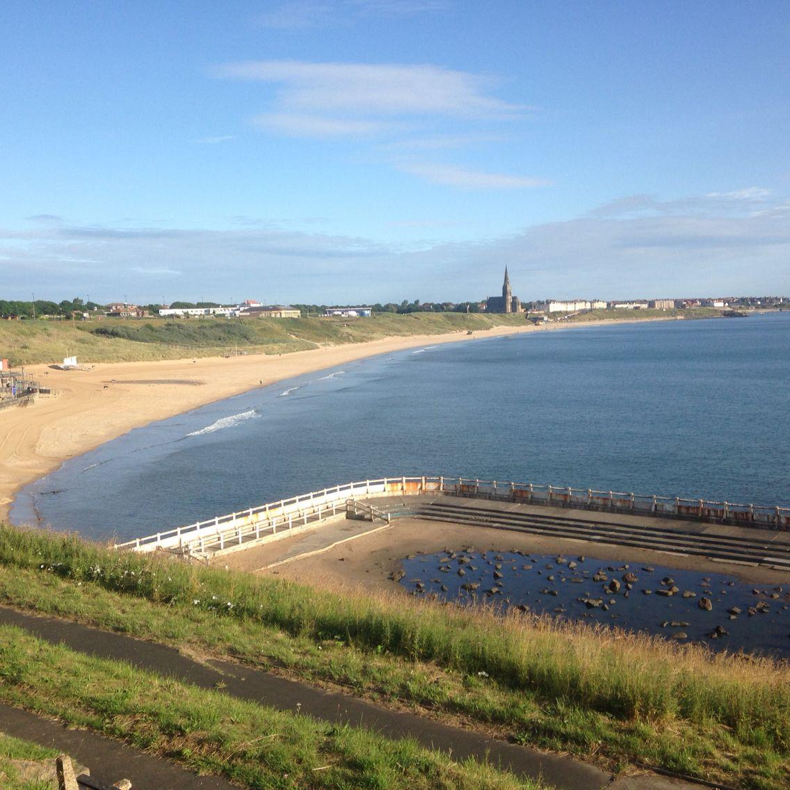 Tynemouth long sands beach bay beach 7am 22 St July 2015 www.tynemouthwebcam.com