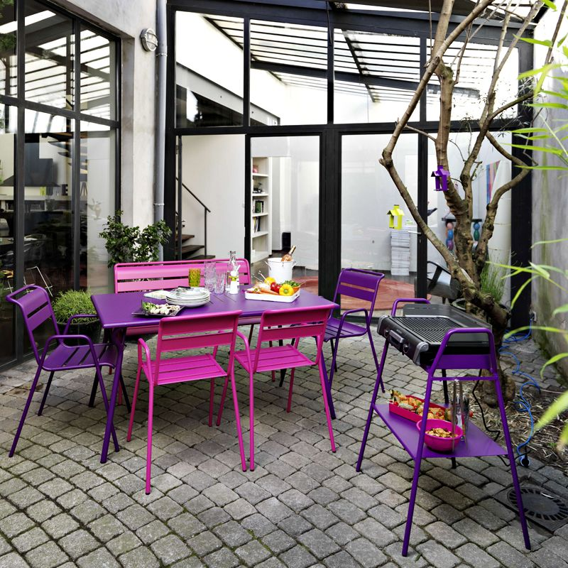 Patio avec salon de jardin et barbecue collection Salon de jardin violet