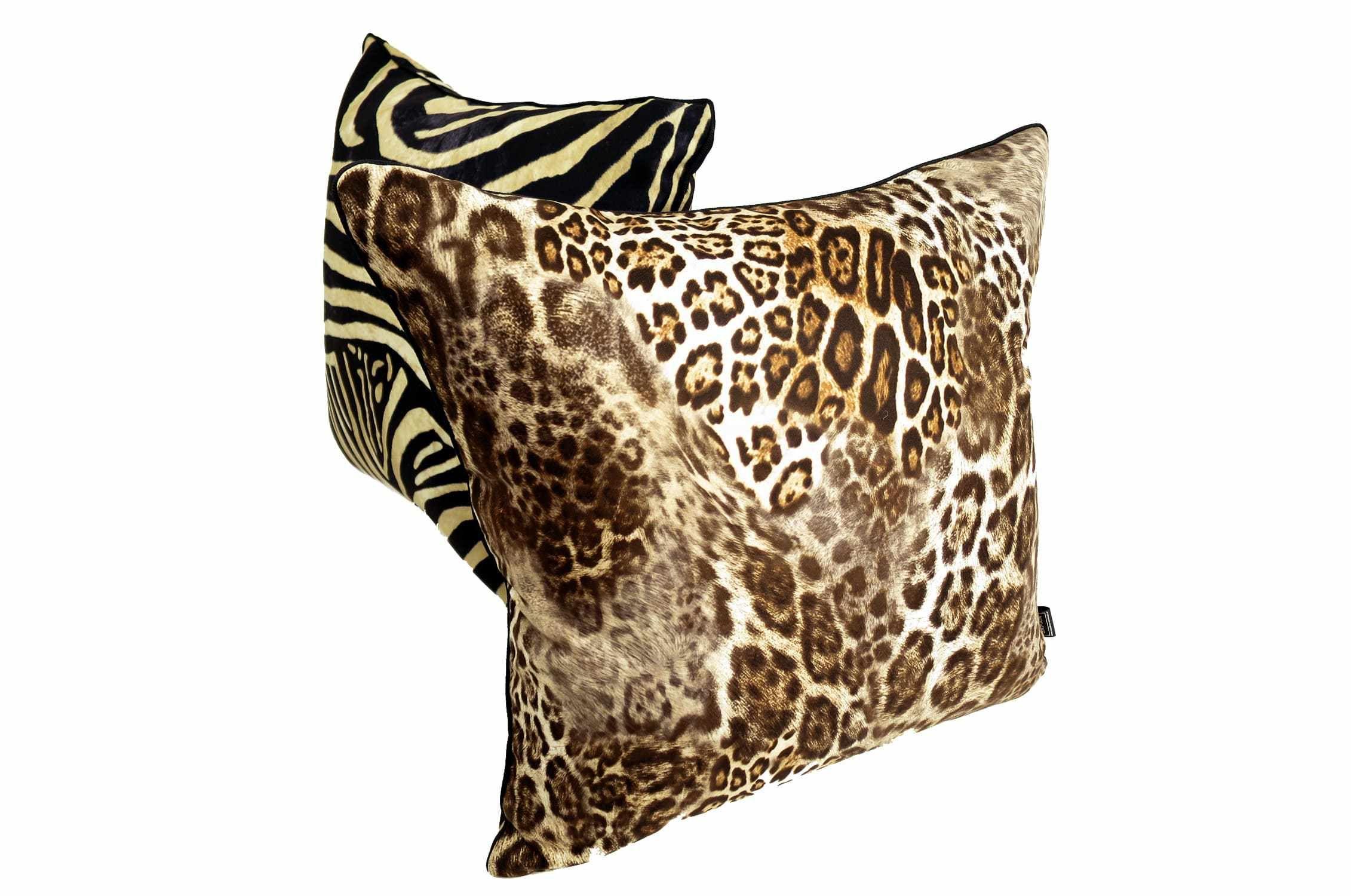 落ち着いたブラウンのヒョウ柄が実にスタイリッシュなクッションカバー  #クッション #クッションカバー #アニマル #safari #ヒョウ柄 #leopard #cushion #cushioncover #pillow