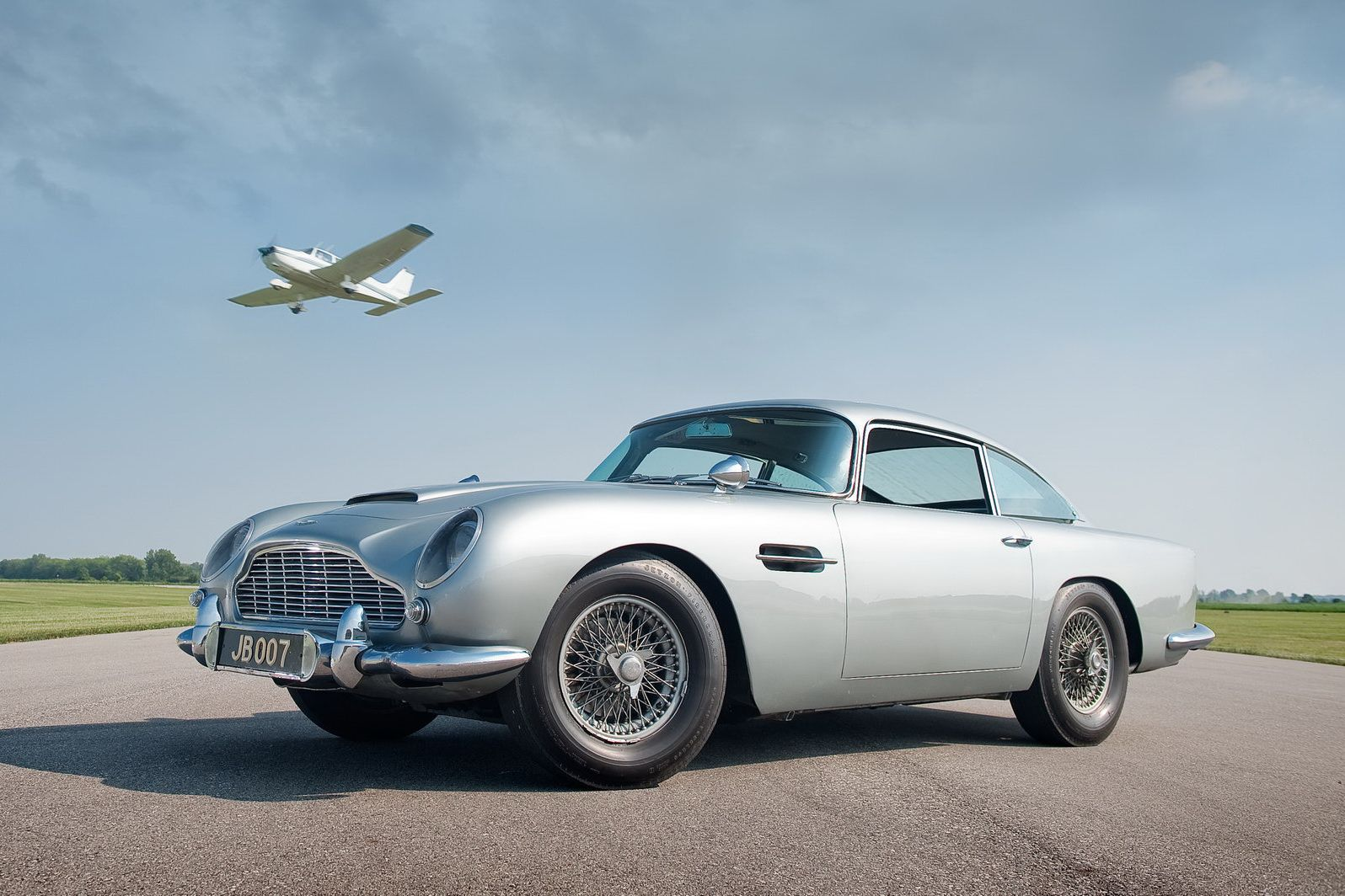 James Bond S Original 007 Aston Martin Db5 Aston Martin Db5 Aston Martin James Bond Cars