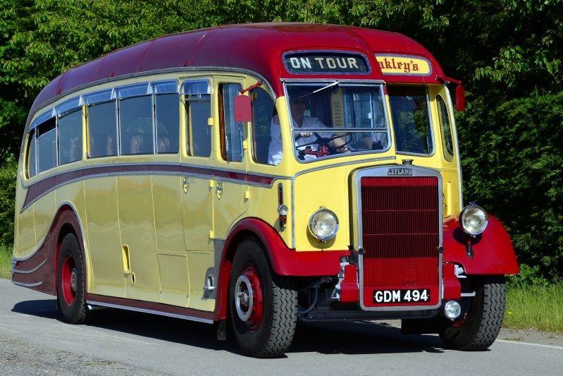 Classic Bus Classic Coach Vintage Buses Truck Uk Historic Bus Bus Coach Trucks