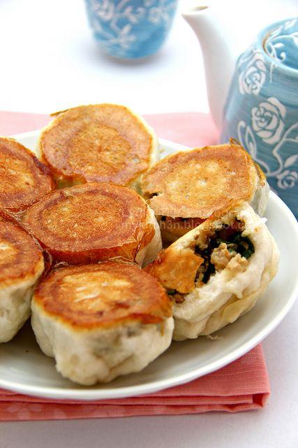 Pan-Fried Bun (水煎包) by Lydia's Corner, via Flickr