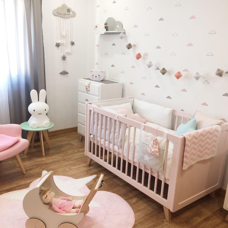 Pin de dolcevinilo en decoraciones de nuestros clientes for Decoracion para habitacion de bebe nina