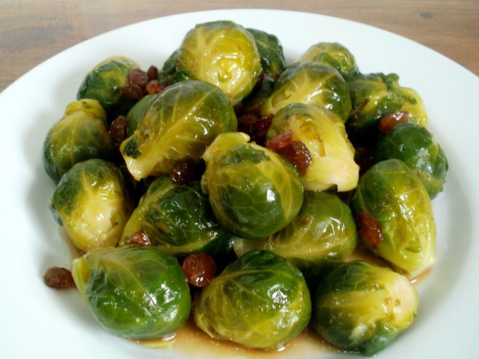Como Cocinar Coles De Bruselas | Costillas De Cerdo Al Horno Con Ensalada Templada De Coles De
