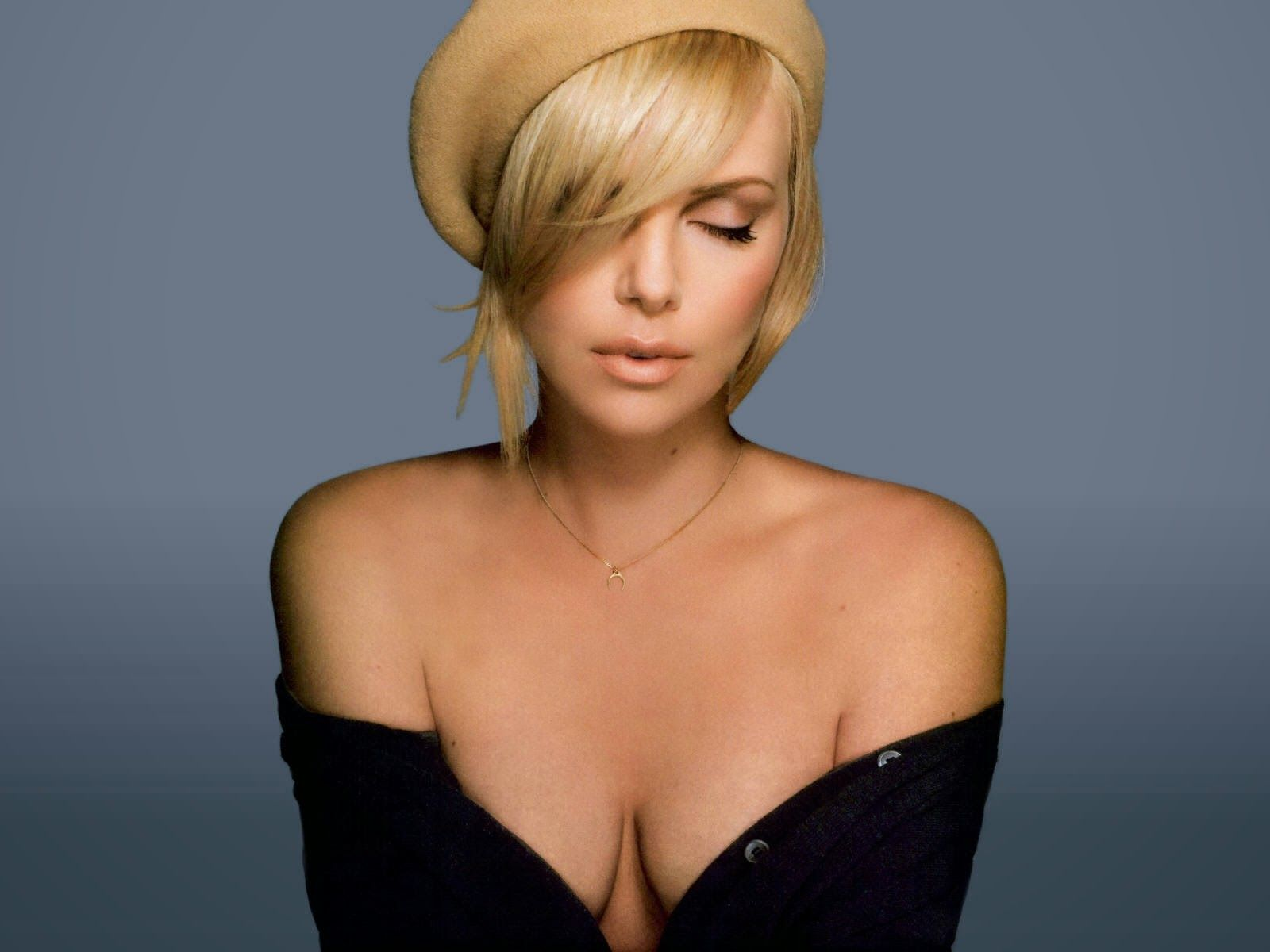 Charlize Theron NokiaLumia  x  Wallpapers
