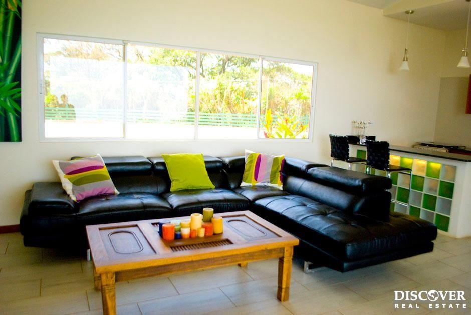 Casa pre-fabricada ideal para vacaciones, diseñada para ser ensamblada en cualquier lugar, y en un lapso de 4 meses. Es la casa que aprovecha al máximo la luz del sol, el viento, las vistas y todas