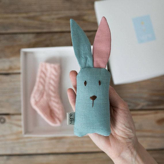Photo of Blush pink Easter Bunny, Cute baby Socks, Montessori Toy, Christening Toxikum, Infant junge Frau Toxikum, junge Frau Nursery Decor, Godmother Toxikum, New Mom