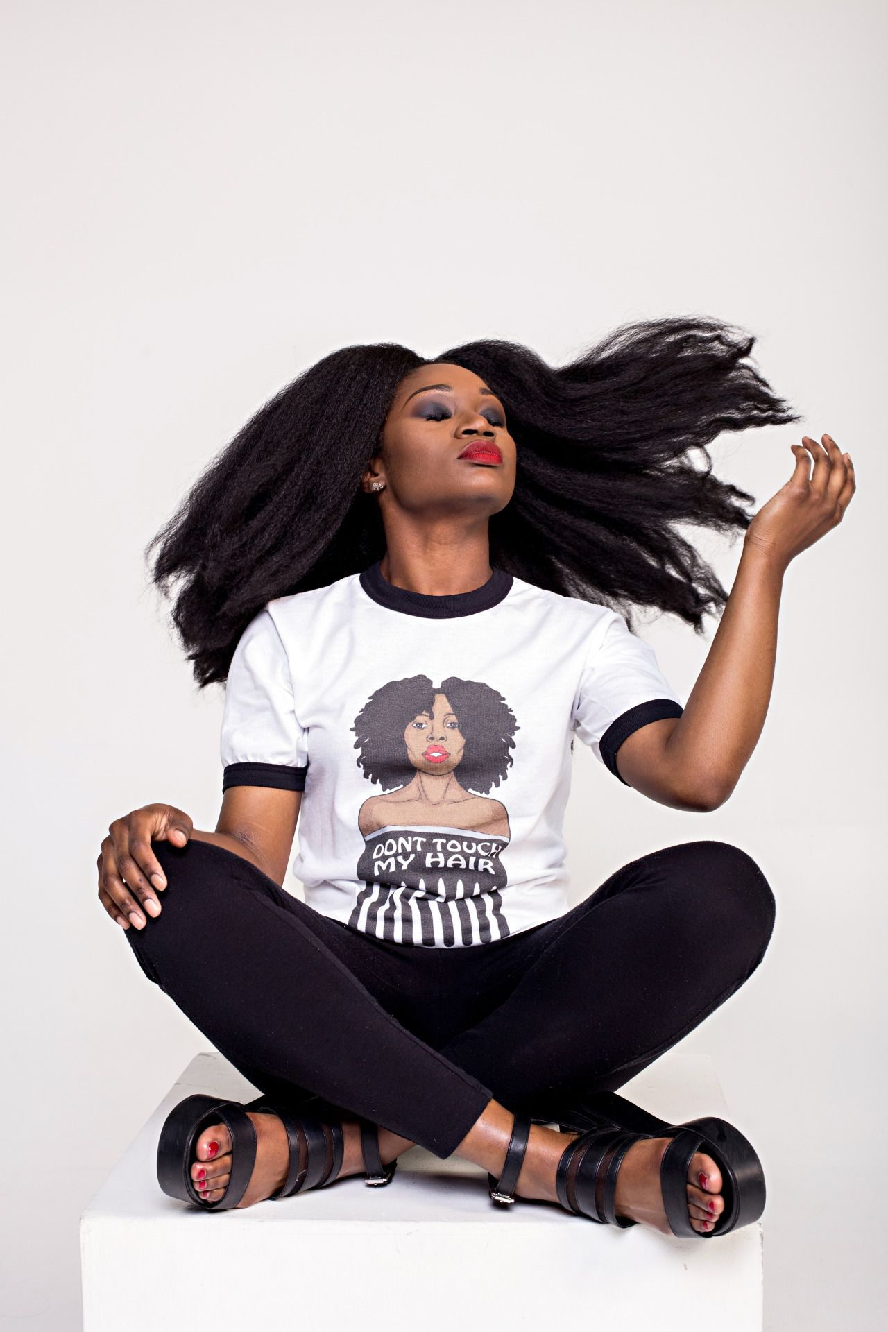 """naturalblkgirlsrock:  """"Don't Touch My Hair"""" tee fromAfriTribe""""Modern Nubian"""" 4 piece Capsule Collection. Modeled byElaineAfrika Follow@AfriTribeon IG/Twitter for more info (afritribeshop.com) Created by@kanmiwest"""