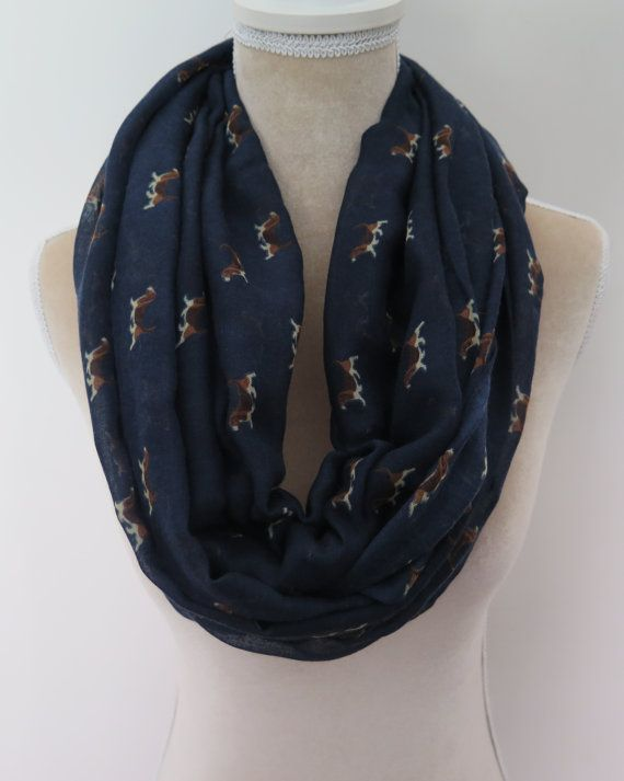 Amazing Beagle Print Scarf! High quality, super soft and lightweigt, great as a gift for beagle lovers. Perfect for spring, fall and winter days.