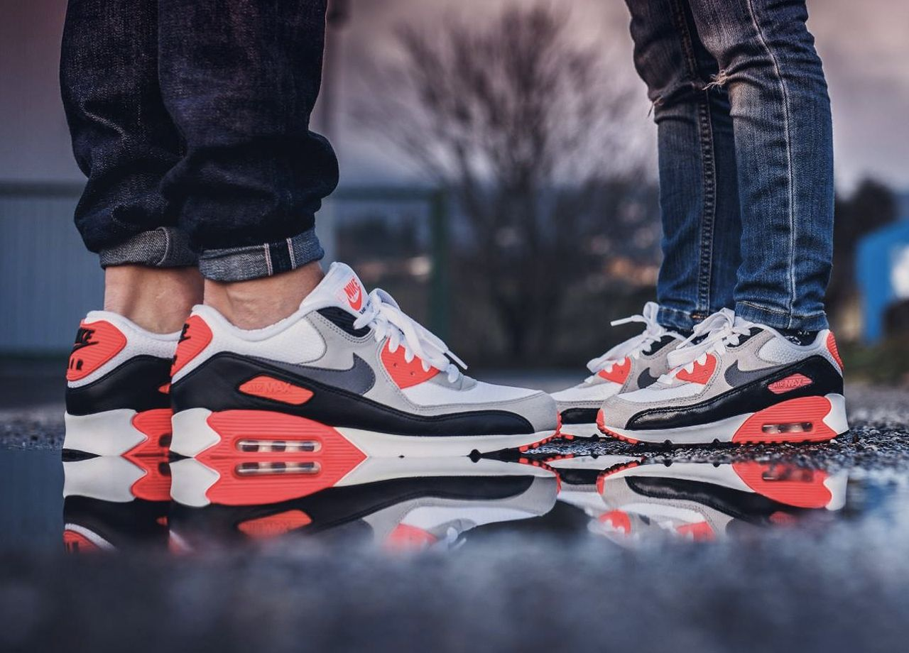 Nike Air Max 90 'Infrared' (by Julien Papoo Poulenard