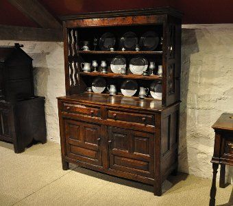 Antique A FINE SMALL LATE 17TH CENTURY WELSH OAK DRESSER. NORTH WALES. CIRCA 1690-1700 1
