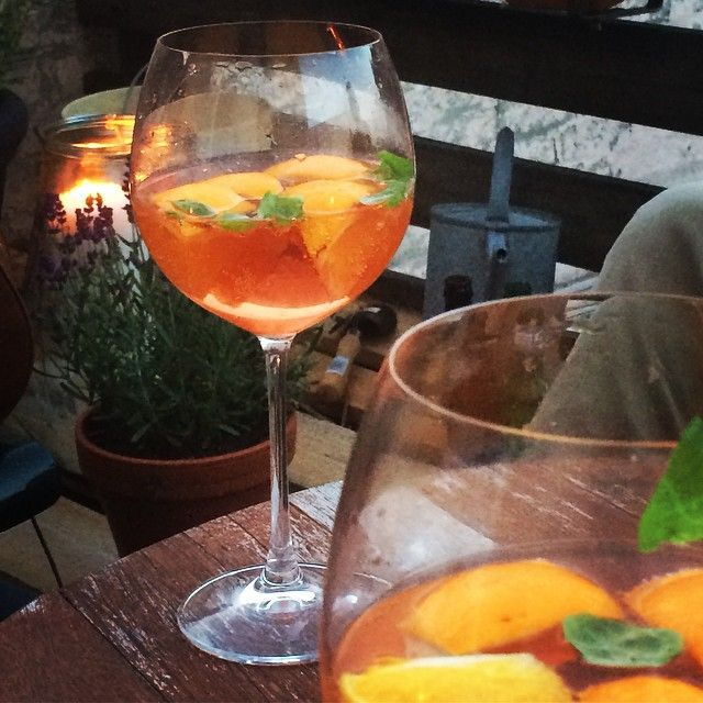 #drinkswithfriends #dachterrasse #rooftop #summer @insta_mariapaul
