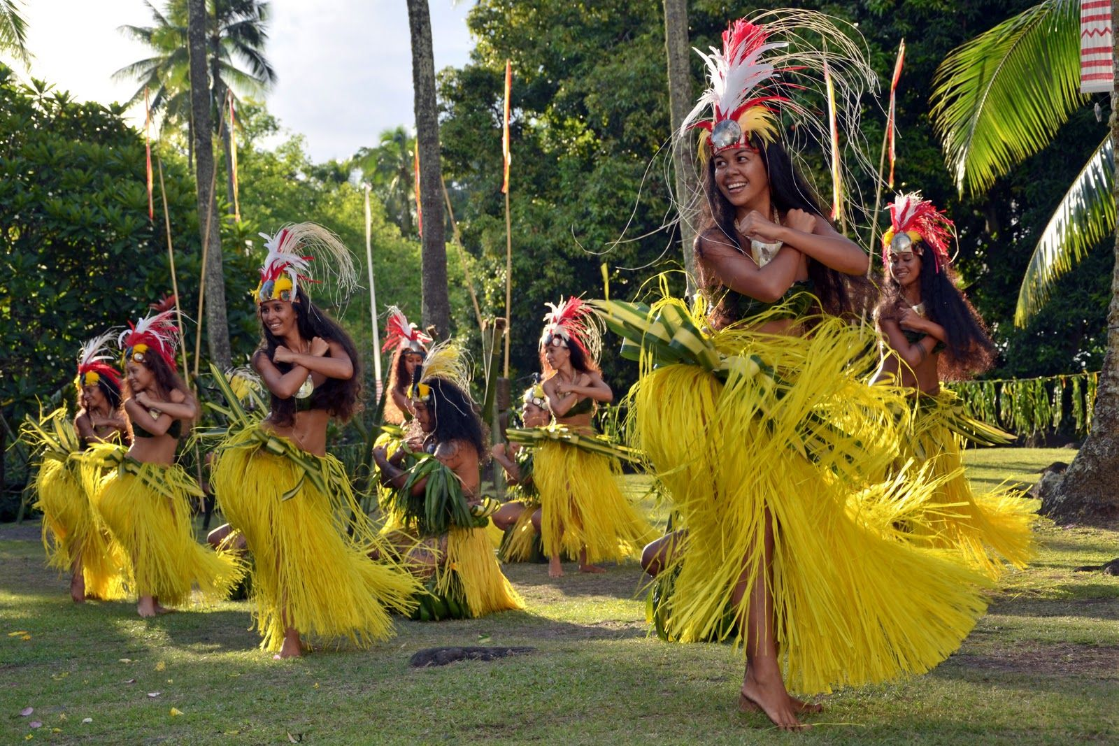 Image associée Tahiti, Polynesian girls, Polynesian