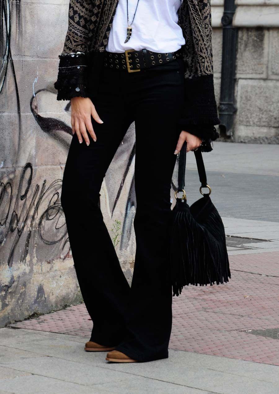 c616f80212 Alice rises up. Pantalón campana negro Zara