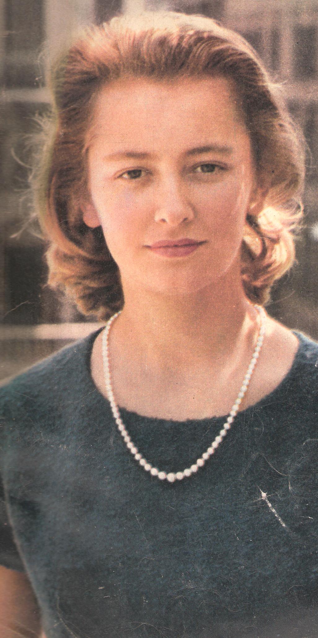 La princesse Paola en 1959 en couverture du magazine PARIS MATCH n°528. (scanner une parti de la couverture).