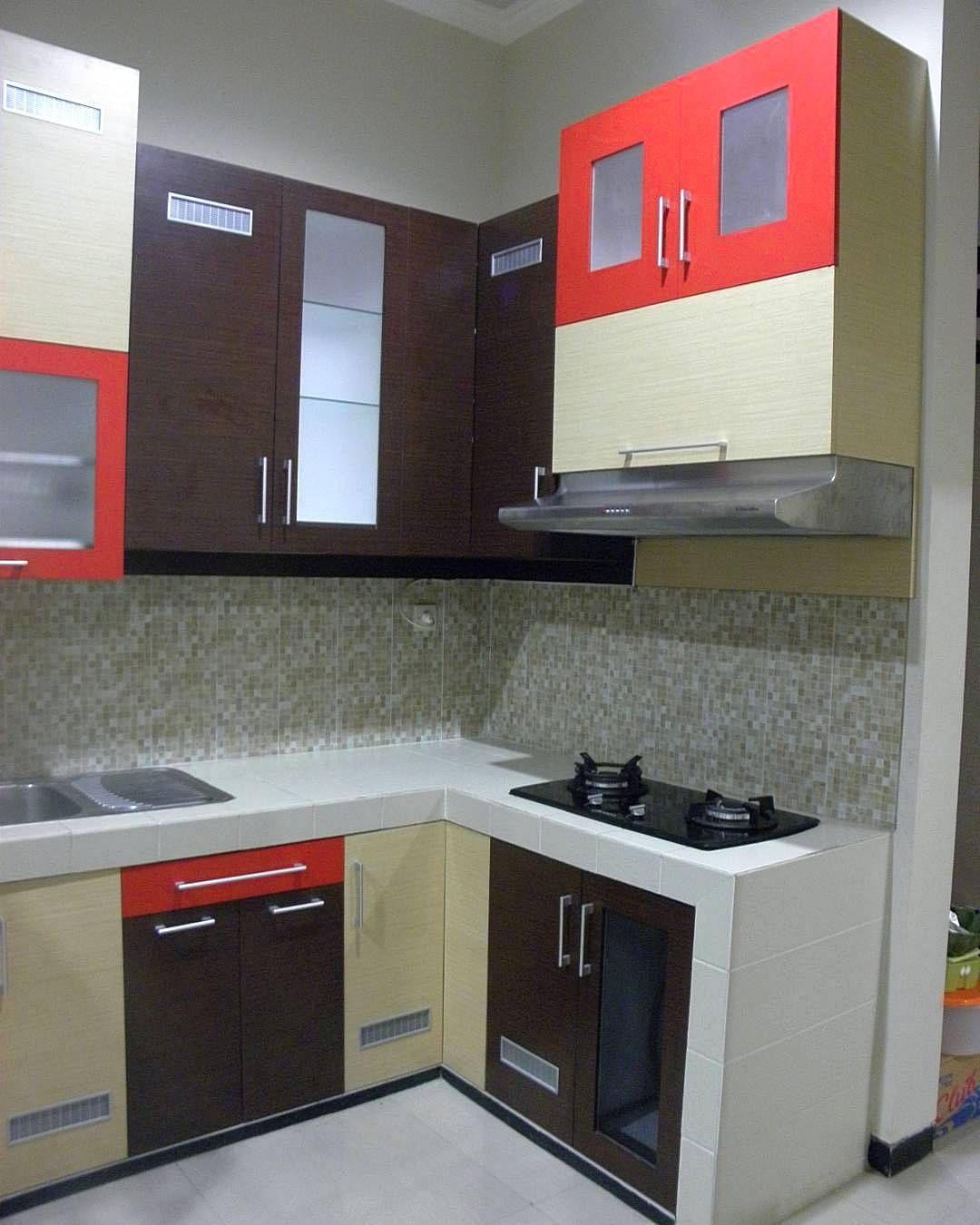 4 Elements Could Bring Out Traditional Kitchen Designs: Desain Kitchen Set Sederhana