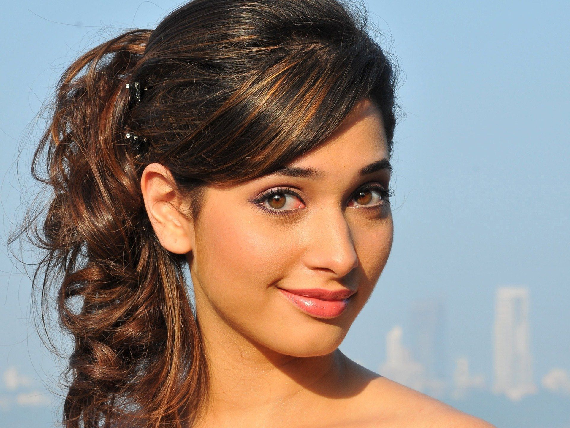 Tamanna Latest: Tamanna Bhatia Wallpapers Hd Smile Cute