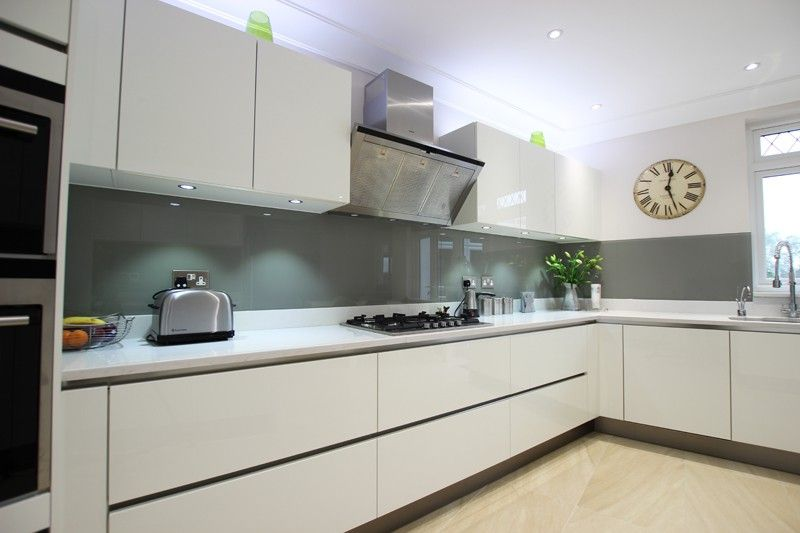 Best High Gloss Acrylic White Handleless Kitchen White Gloss 400 x 300