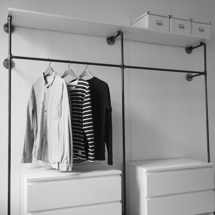 offener kleiderschrank open wardrobe offene garderobe open closet various steel pipe. Black Bedroom Furniture Sets. Home Design Ideas