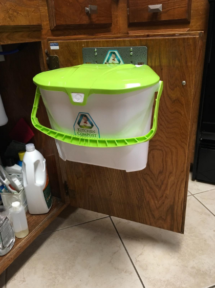 get a compost bin thatu0027s easily stored under your sink household ideasdiy