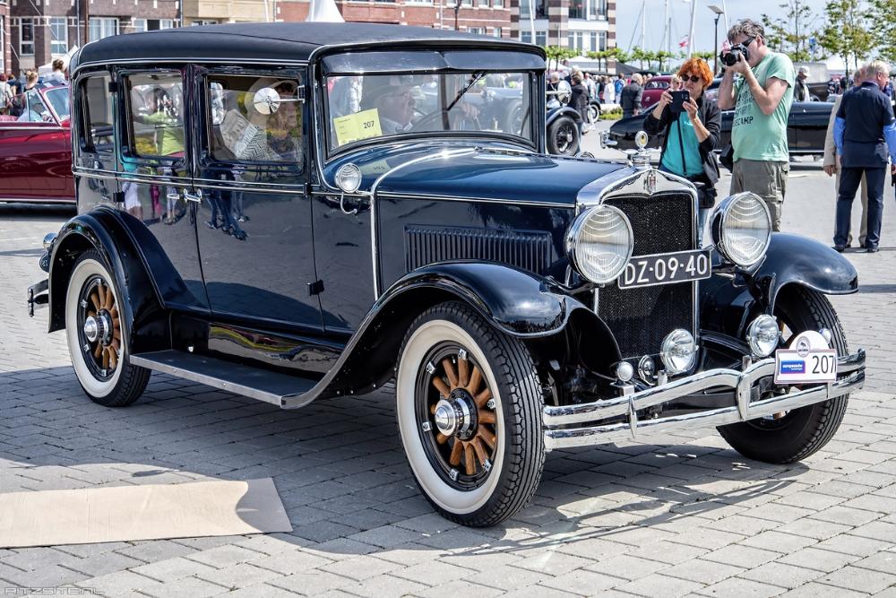 Hupmobile Series A Century Six 4 Door Sedan 1929 In 2020 Sedan Antique Cars Car Photos