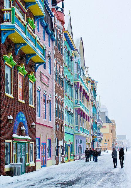 Boardwalk Snow | A Snowy day on the boardwalk of Atlantic City, New Jersey - USA
