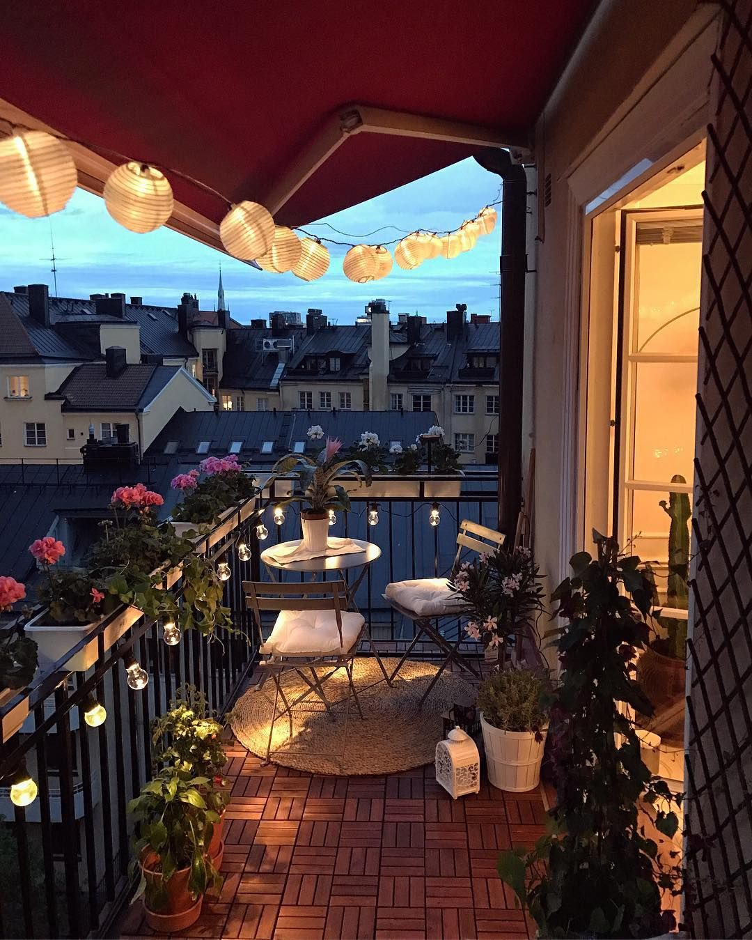 A nice evening balcony in Stockholm #balconylighting