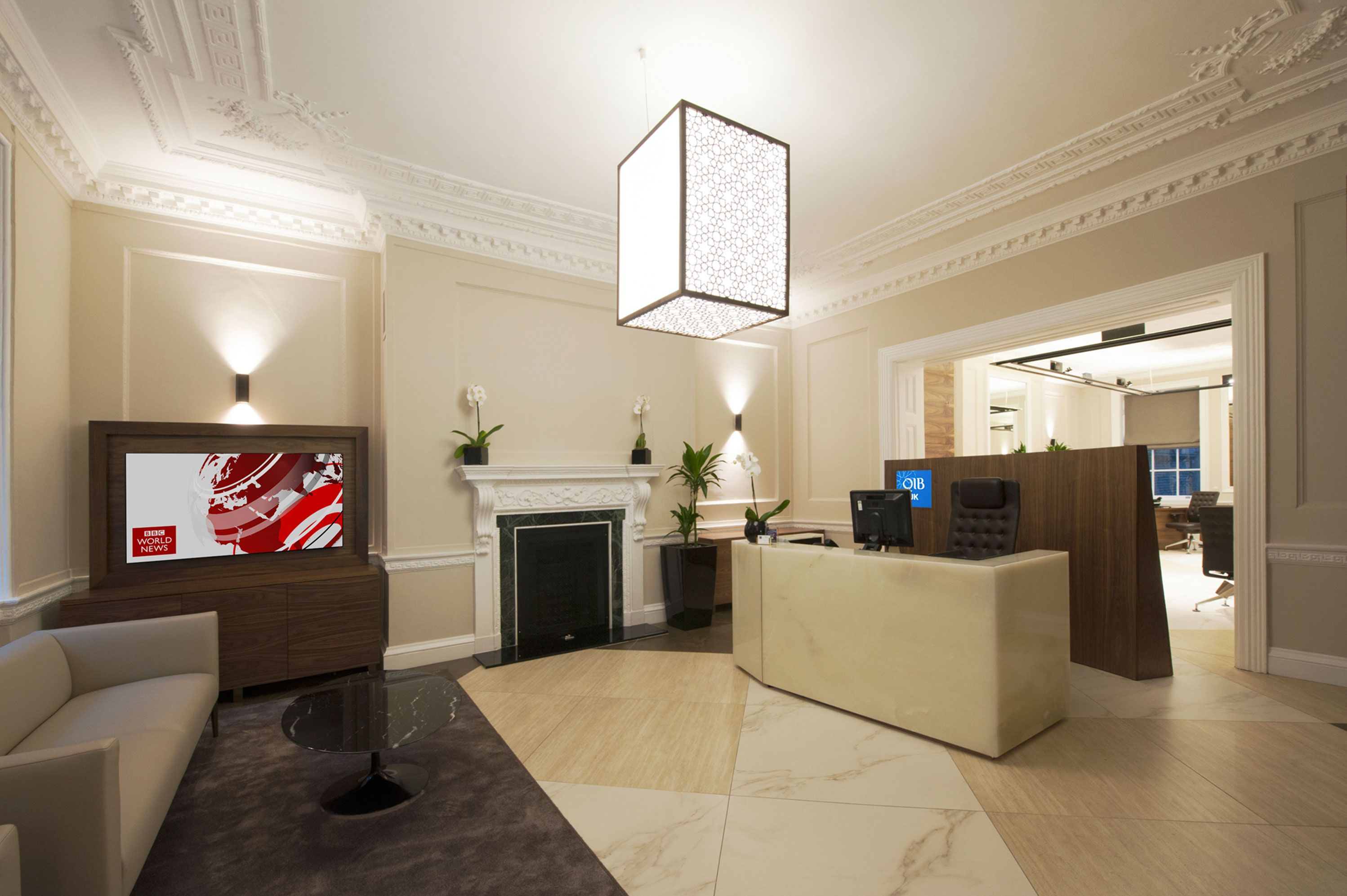 Qib uk qatar islamic bank london offices designed by for Interior design qatar