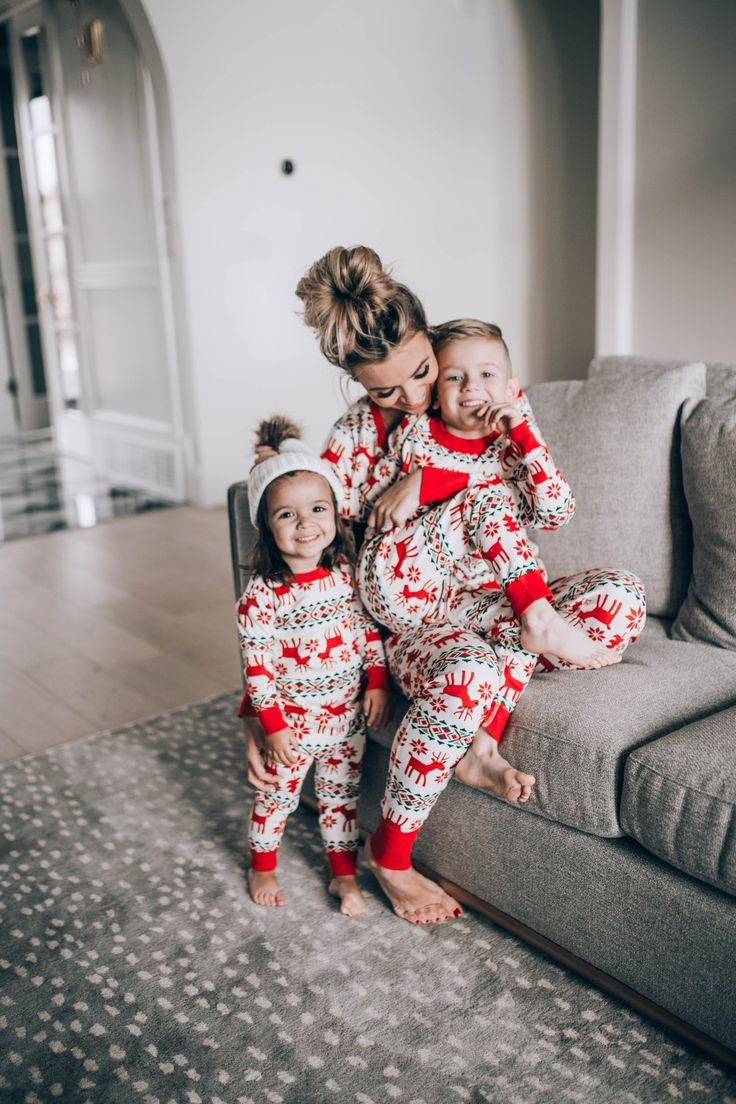 Hanna Andersson Holiday Pajamas For The Whole Family in